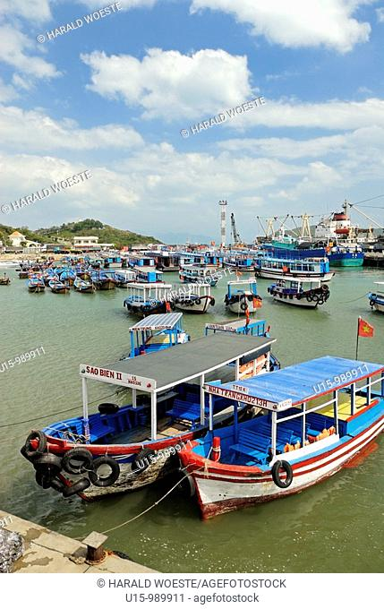 Asia, Vietnam, Nha Trang  Cau Da the harbour 3km south of downtown of Nha Trang  Cau Da is the main pier for ferries and pleasure boat trips to the islands