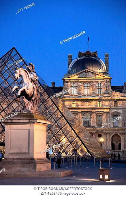 France, Paris, Louvre, palace, museum, Pyramide