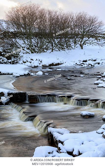 River Swale near Keld in winter - Swaledale, Yorkshire, UK