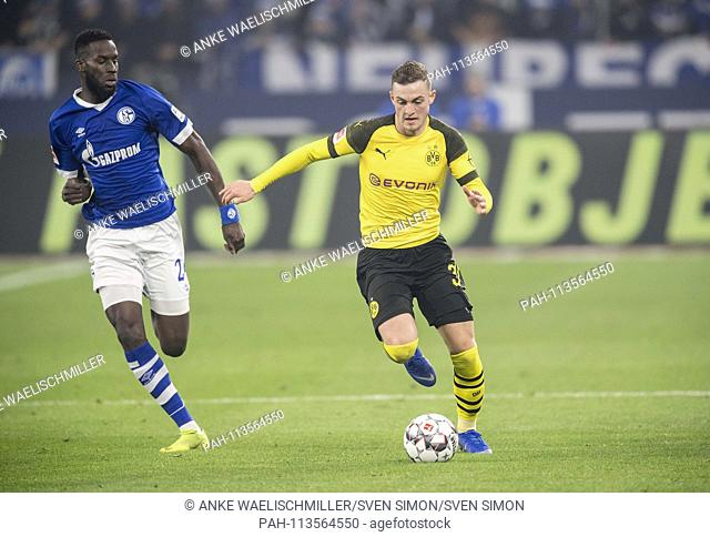 Jacob BRUUN LARSEN r. (DO) in action versus Salif SANE (GE), duels, Soccer 1.Bundesliga, 14.matchday, FC Schalke 04 (GE) - Borussia Dortmund (DO) 1: 2, on 08