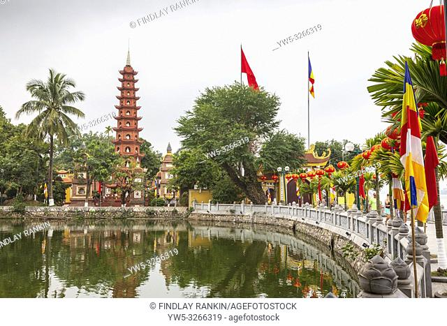 Tran Quoc Pagoda (Chua Tran Quoc) is the oldest pagoda in Hanoi, originally constructed in the sixth century during the reign of Emperor Ly Nam De
