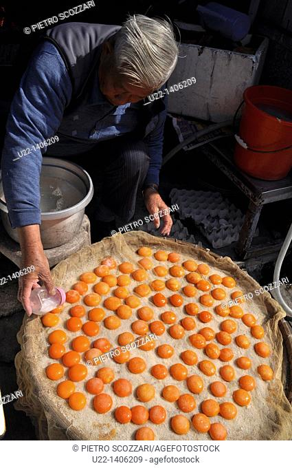 Hong Kong: salty dry yolks, a speciality of Tai O village, on Lantau Island