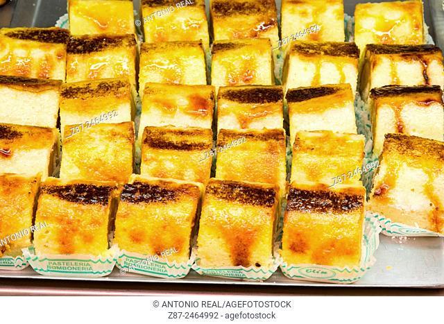 Cakes at Elín pastry shop, Almansa, Albacete province, Castilla-La Mancha, Spain