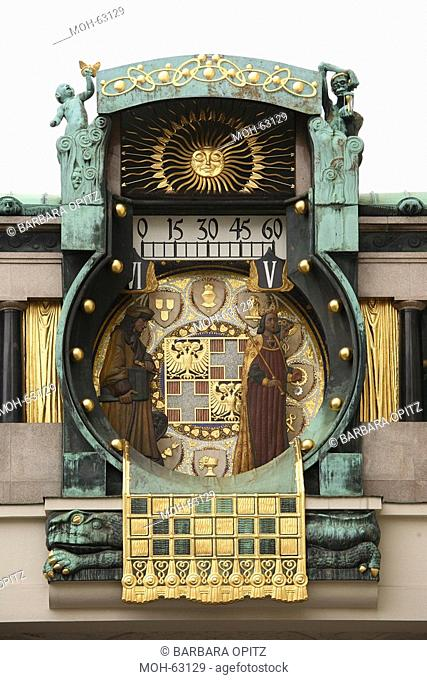 Blick von Norden, Spieluhr beim Haus der Anker-Versicherung am Hohen Markt in der Altstadt Wiens, 1911 und 1917 nach den Plänen des Jugendstilmalers Franz...