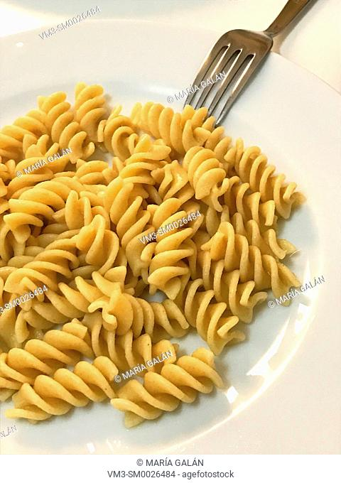 Boiled integral pasta in a dish