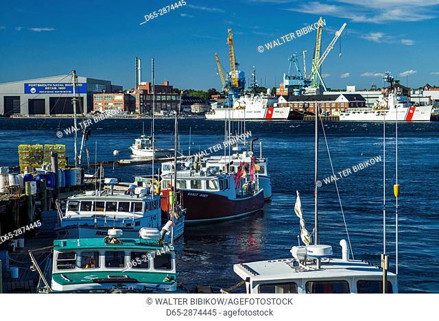 USA, New Hampshire, Portsmouth, view of the Portsmouth Naval Shipyard along the Piscataqua River