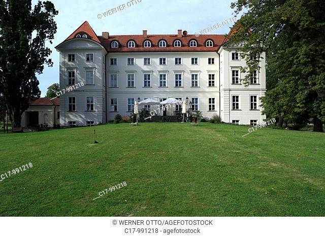 Germany, Wedendorf, Amt Rehna, North West Mecklenburg, Mecklenburg-Western Pomerania, castle Wedendorf, baroque, manor house, classicism