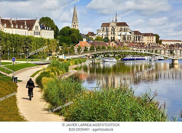 Yonne river, Auxerre, Yonne, Burgundy, Bourgogne, France, Europe