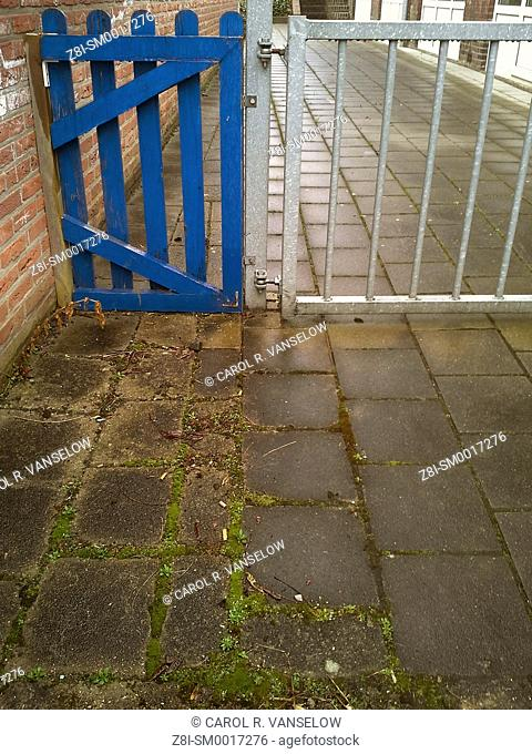 blue gate to driveway