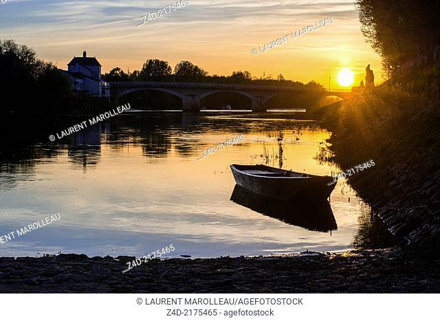 Bridge over Vienne River, Chinon, Indre-et-Loire, Loire Valley, France