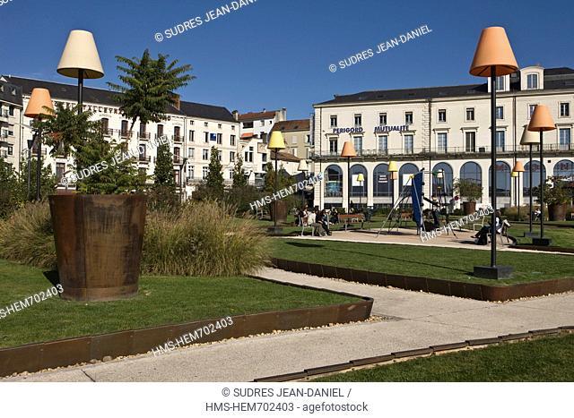 France, Dordogne, Perigueux, Place Francheville