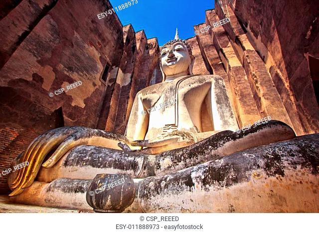 Old Buddha in Wat Si Chum at Sukhothai Historical park, Thailand