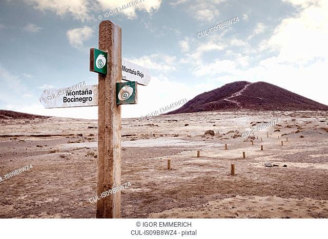 Directional sign, Santa Cruz de Tenerife, Canary Islands, Spain, Europe