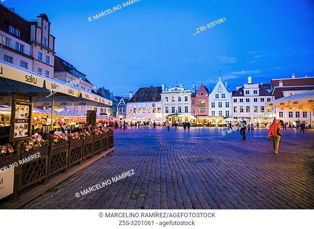 Tallinn Old City, Town hall square at nightfall. Tallinn, Harju County, Estonia, Baltic states, Europe
