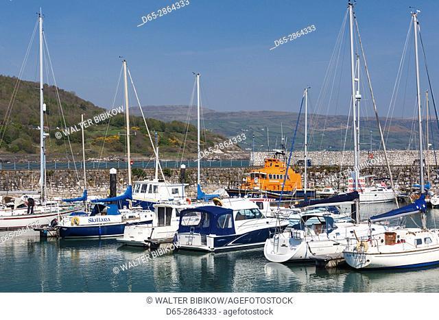 UK, Northern Ireland, County Antrim, Glenarm, harbor