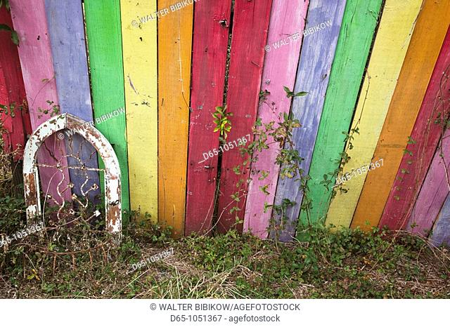 USA, Florida, Ocala National Forest, Barberville, rainbow-painted fence