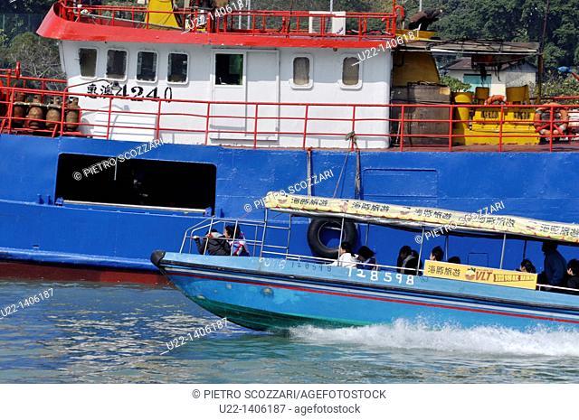 Hong Kong: fast boat for tourists in Tai O village, on Lantau Island