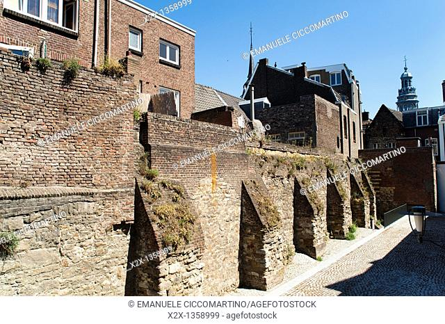 'Eerste Middeleeuwse Omwalling' First Medieval City Wall, year 1229, Maastricht, Limburg, The Netherlands, Europe
