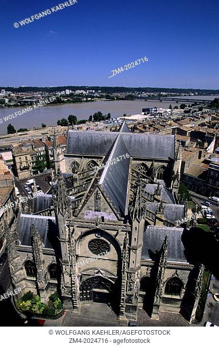FRANCE, BORDEAUX, GARONNE RIVER, ST. MICHEL CHURCH