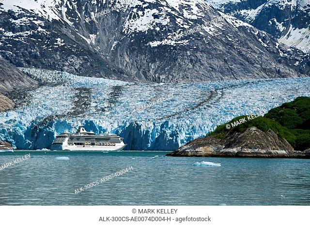 Royal Carribean cruise ship *Serenade of the Seas* in Endicott Arm near Dawes Glacier, Tracy Arm- Fords Terror National Wilderness, Southeast Alaska/n