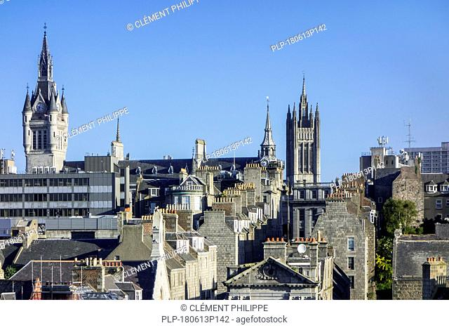 Skyline of the city Aberdeen showing the West Tower of the New Town House and the Marischal College, Aberdeenshire, Scotland, UK
