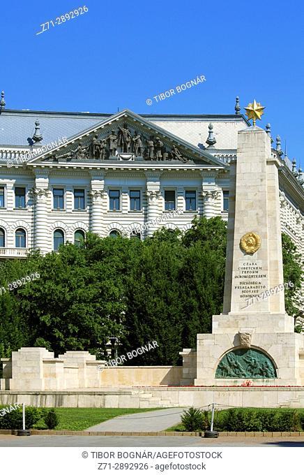 Hungary, Budapest, Liberty Square, Soviet War Memorial,