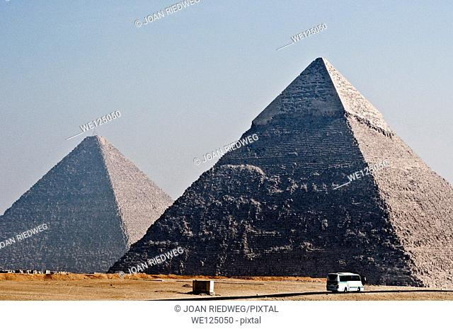 The pyramids of Kefren and Kheops
