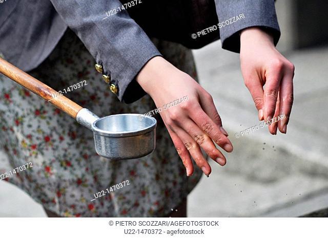 Kyoto (Japan): washing hands ritual at the entrance of Kiyomizudera Temple