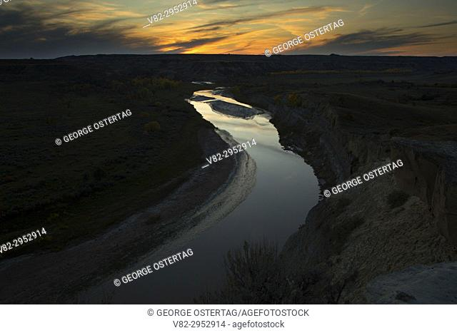 Little Missouri River sunset from Wind Canyon Trail, Theodore Roosevelt National Park-South Unit, North Dakota