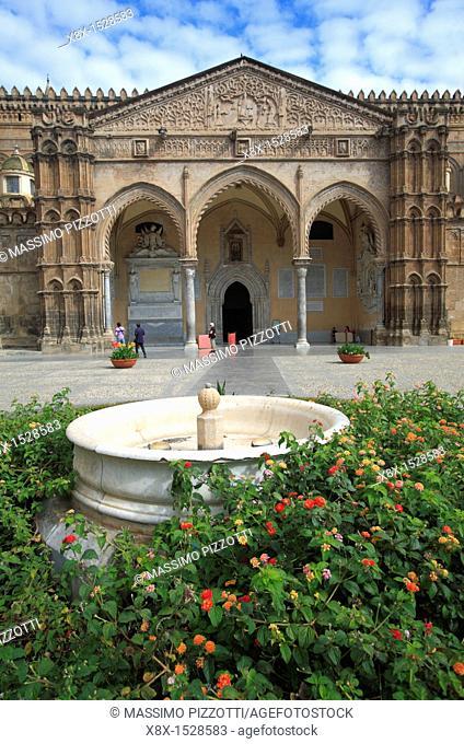 The portico of Palermo's Cathedral by Domenico and Antonello Gagini, Palermo, Sicily
