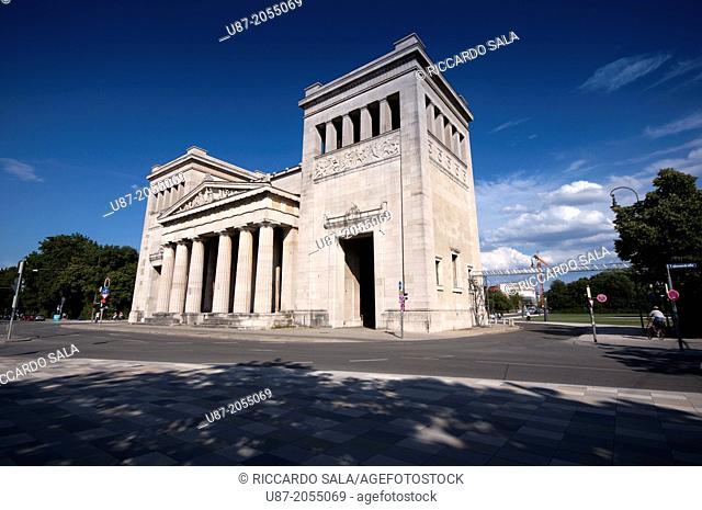 Germany, Bavaria, Munich, Koenigsplatz Square, Propylaea Building