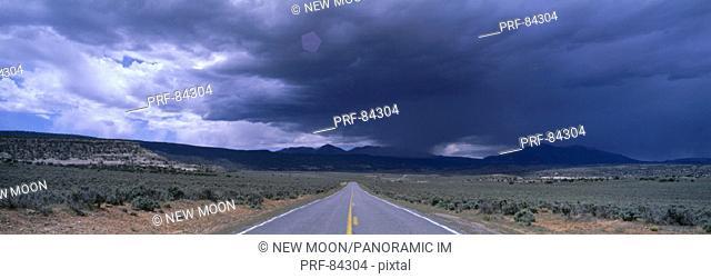 USA, Utah, road, thunderstorm