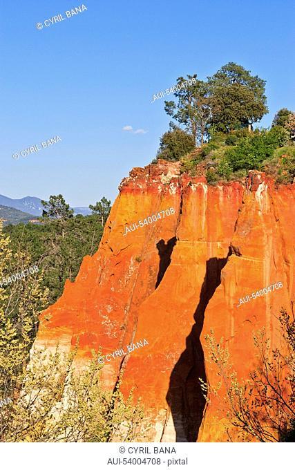 France, Provence, Roussillon, Ochre cliff, landscape