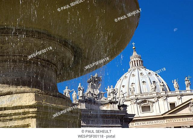 Italy, Rome, Vatican City, Basilica of Saint Peter, fountain in foreground