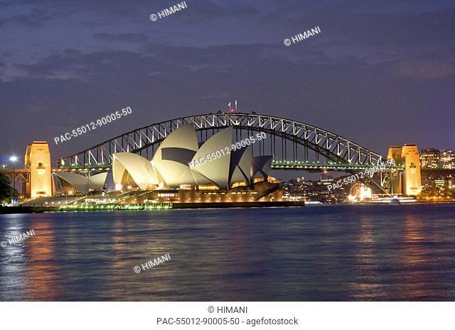 Australia, Sydney, View of the harbor bridge and opera house