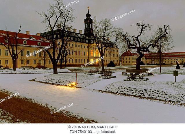 Das Schloss Hubertusburg in den Abendstunden des 07.02.2015 in Wermsdorf bei Oschatz. +++ Das ab 1721 errichtete Schloss Hubertusburg war ein kurfürstlich -...