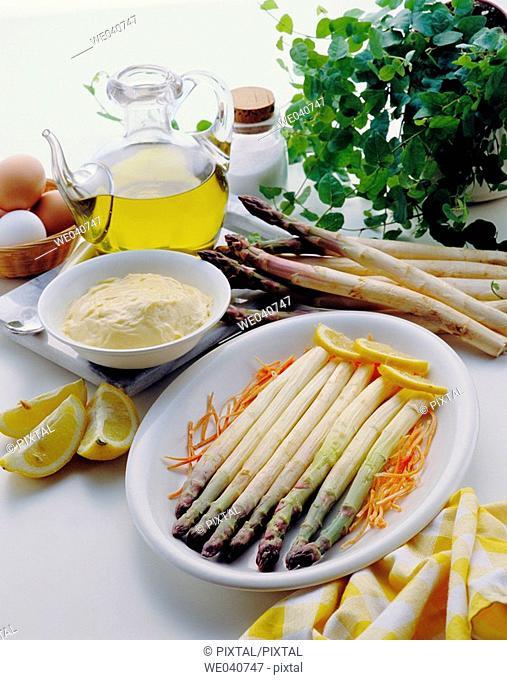 Asparagus with mayonnaise