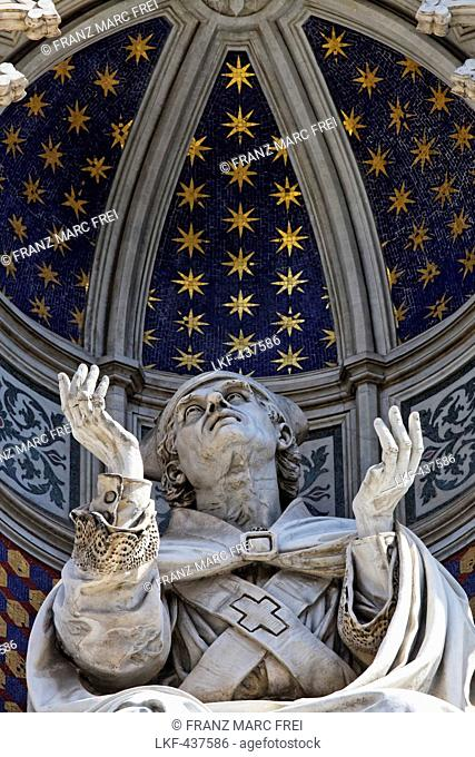 Sculpture in the west facade of the cathedral, Florence, Tuscany, Italy