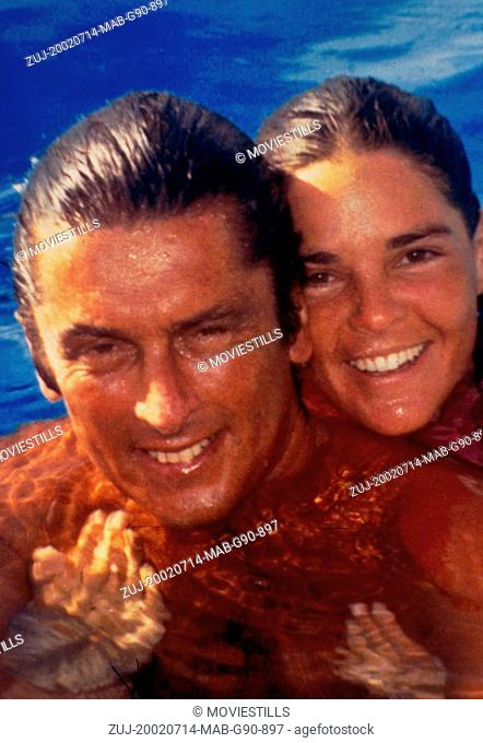 Jul 14, 2002; Hollywood, CA, USA; Actors ROBERT EVANS and ALI MCGRAW as theirselves star in the documentary 'The Kid Stays in the Picture' directed by Nanette...