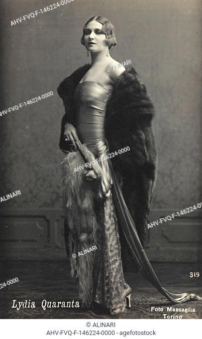 Portrait of the Italian actress Lydia Quaranta, postcard, shot 1910-1920 by Foto Massaglia