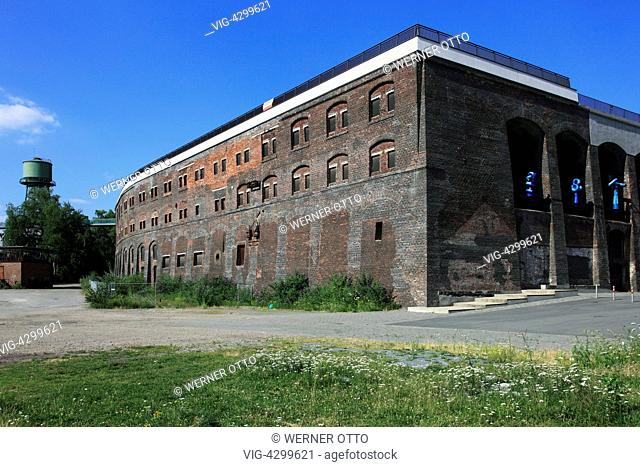 D-Bochum, Ruhr area, Westphalia, North Rhine-Westphalia, NRW, Westpark, RuhrTriennale, Colosseum, rest of a breast wall, behind the watertower of the...