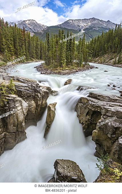 Waterfall Sunwapta Falls, at Icefields Parkway, Sunwapta River, Jasper National Park, Rocky Mountains, Alberta, Canada, North America