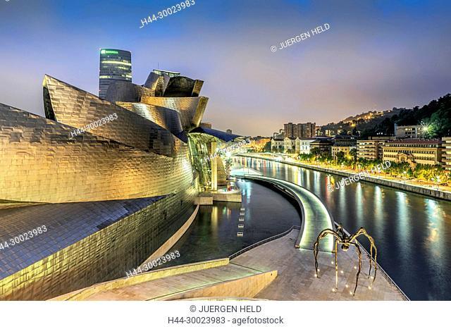 Panoramic View from La Salve Bridge, Guggenheim Museum , Fluss Nervion, Bilbao , museum of modern and contemporary art , architect Frank Gehry , Bilbao