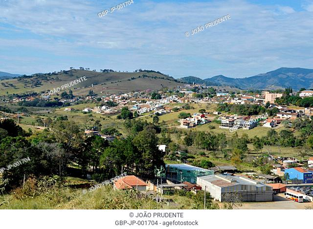 Vista de cima da cidade o município faz parte do roteiro religioso Caminho da Fé que liga as cidades de Águas da Prata a Aparecida, Paraisópolis, Minas Gerais