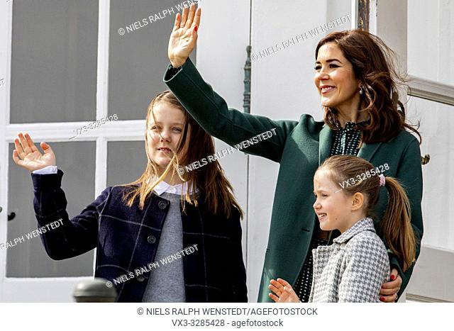 AARHUS - Queen Margrethe of Denmark, flanked by Crown Prince Frederik, Crown Princess Mary and their children Prince Christian