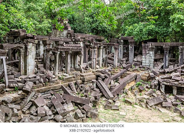 Beng Mealea Temple, overgrown and falling down, Angkor, Siem Reap Province, Cambodia (Khmer)