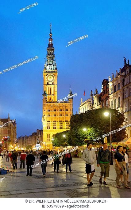 Dlugi Targ, Long Market with town hall, Gdansk, Pomeranian Voivodeship, Poland