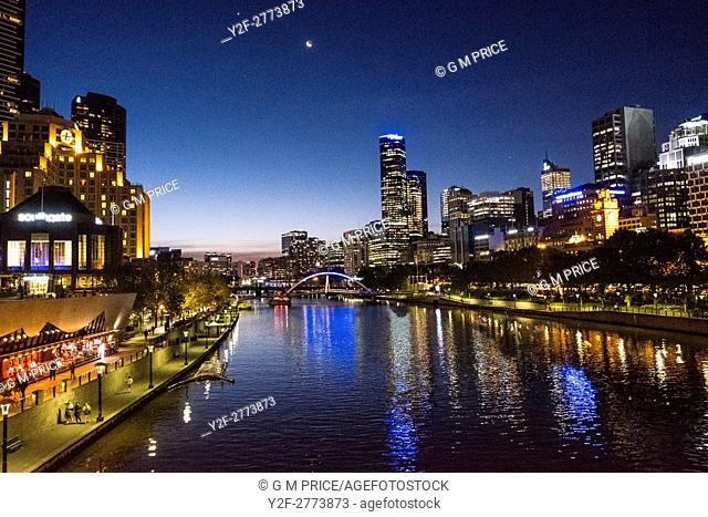 night view of Yarra, Southbank and Melbourne skyline