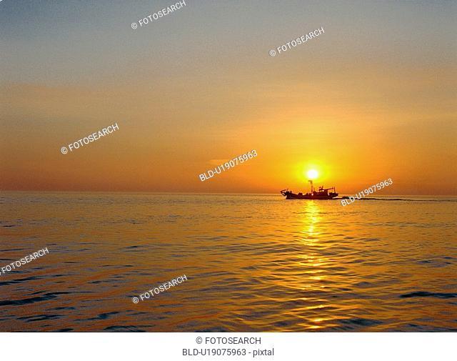 settingsun, ship, sea, scenery, nature, film