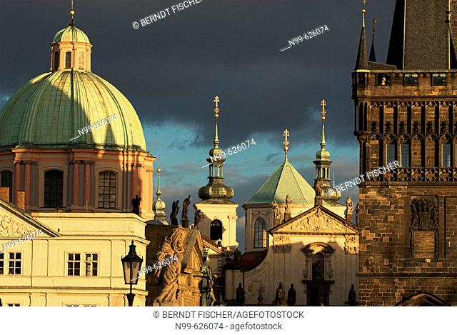 Prague, old town, Charles bridge, bridge tower, church St. Franziskus, Czech Republic